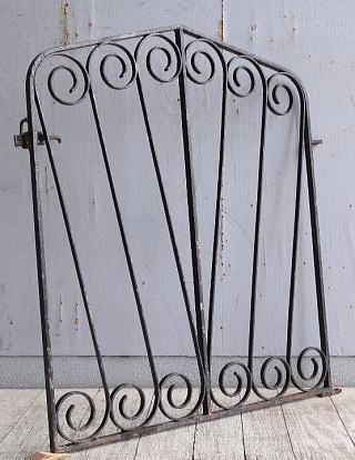 イギリスアンティーク アイアンフェンス ゲート柵 ガーデニング 10220