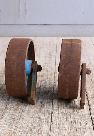 イギリス アンティーク 鉄製 車輪 ×2 10245