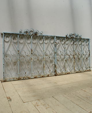 イギリスアンティーク アイアンフェンス ゲート柵 ガーデニング 9693
