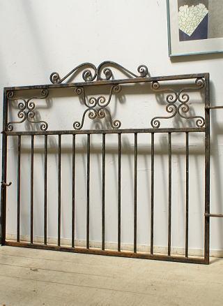 イギリスアンティーク アイアンフェンス ゲート柵 ガーデニング 6440
