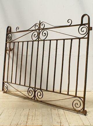 イギリスアンティーク アイアンフェンス ゲート柵 ガーデニング 6442