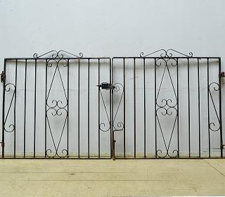 イギリスアンティーク アイアンフェンス ゲート柵 ガーデニング 10062