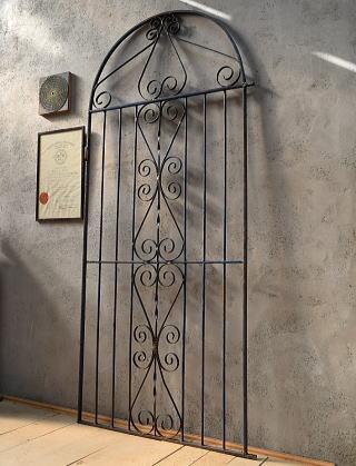 イギリスアンティーク アイアンフェンス ゲート柵 ガーデニング 6594