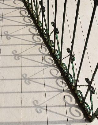 イギリス アンティーク アイアンフェンス ゲート柵 ガーデニング 7024