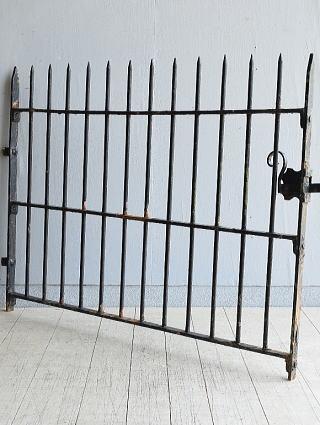 イギリス アンティーク アイアンフェンス ゲート柵 ガーデニング 8007
