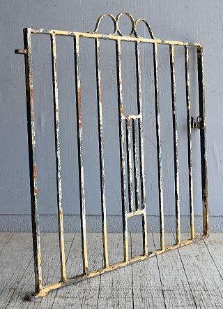イギリスアンティーク アイアンフェンス ゲート柵 ガーデニング 8634