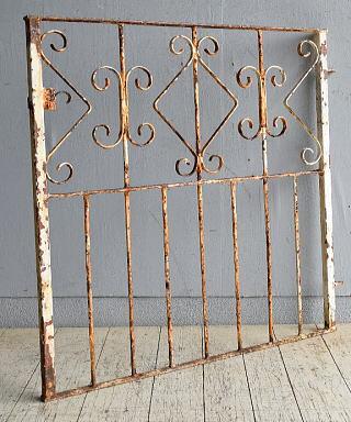 イギリスアンティーク アイアンフェンス ゲート柵 ガーデニング 8651