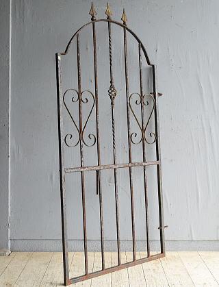 イギリスアンティーク アイアンフェンス ゲート柵 ガーデニング 8659