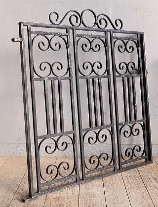 イギリス アンティーク アイアンフェンス ゲート柵 ガーデニング 8965