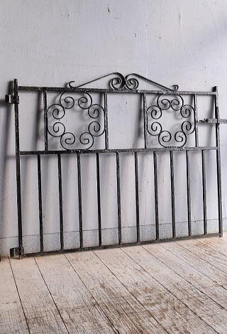 イギリスアンティーク アイアンフェンス ゲート柵 ガーデニング 9254