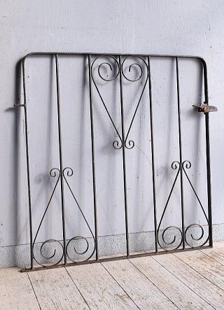 イギリスアンティーク アイアンフェンス ゲート柵 ガーデニング 9256