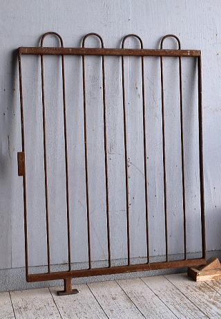 イギリスアンティーク アイアンフェンス ゲート柵 ガーデニング 9306
