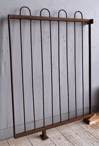 イギリスアンティーク アイアンフェンス ゲート柵 ガーデニング 9307