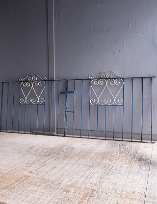 イギリスアンティーク アイアンフェンス ゲート柵 ガーデニング 9517