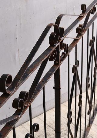 イギリスアンティーク アイアンフェンス ゲート柵 ガーデニング 9831