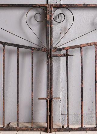 イギリスアンティーク アイアンフェンス ゲート柵 ガーデニング 9921