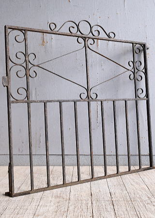 イギリスアンティーク アイアンフェンス ゲート柵 ガーデニング 9958